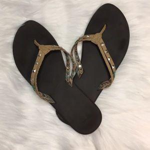 {Sanuk} flip flops metal sandals